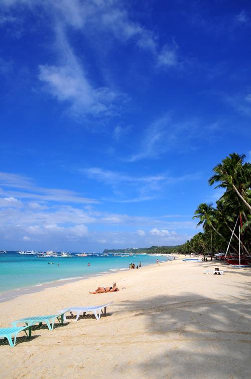 boracay beach2.jpg