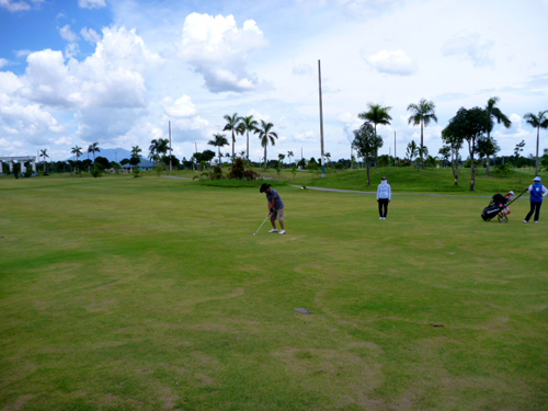 ange golf2.jpg