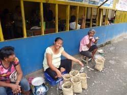 crab sales ladys.jpg