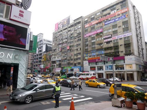 taipei street 3.jpg
