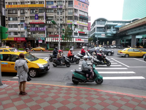 taipei street4 bike bike bike.jpg