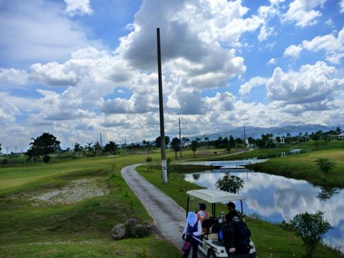 ange golf.jpg