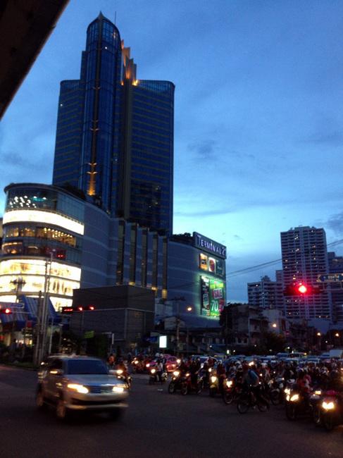 bkk building2.jpg