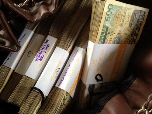 money pesos.jpg