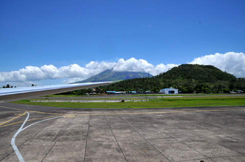 mayon from airport.jpg