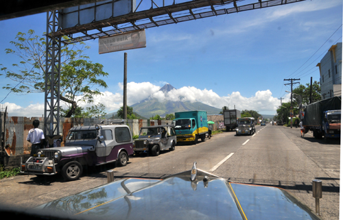 mayon from jeepny.jpg